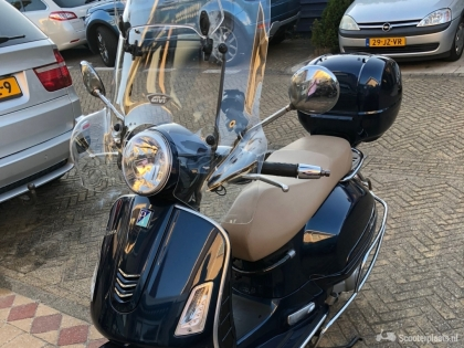 Te koop Vespa GTS 300 ie blue metallic met ABS ASR